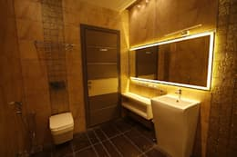 Residential interiors for Mr.Siraj at Chennai: modern Bathroom by Offcentered Architects
