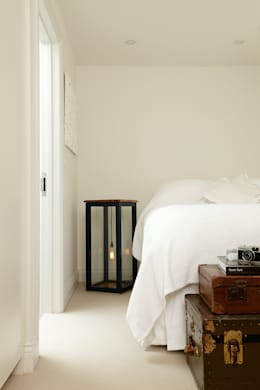 modern Bedroom by Cue & Co of London