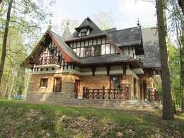 дом на взморье: Дома в . Автор – STUDIOKORA