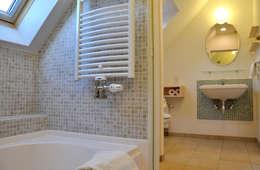 Ванные комнаты в . Автор – 株式会社 ヨゴホームズ