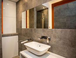 Mieszkanie w Browarze Lubicz - Kraków: styl , w kategorii Łazienka zaprojektowany przez Lurvig