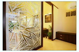 The Entry Panel:  Corridor & hallway by Navmiti Designs