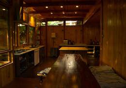 Interior: Cocinas de estilo rústico por PhilippeGameArquitectos