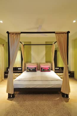 Penthouse Design: tropical Bedroom by Aum Architects