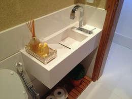 modern Bathroom by GEA Arquitetura