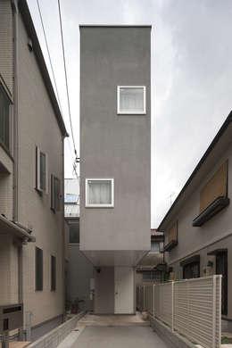 平野崇建築設計事務所 TAKASHI HIRANO ARCHITECTS의  주택