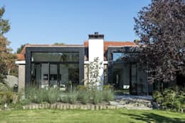 Дома в . Автор – ENZO architectuur & interieur