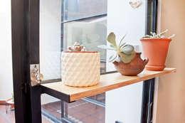 Reforma JBJ: Cocinas de estilo moderno por CA.ZA