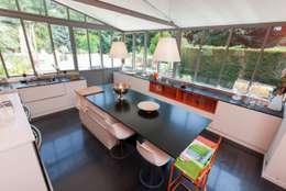 modern Kitchen by MY CASTELLANOS