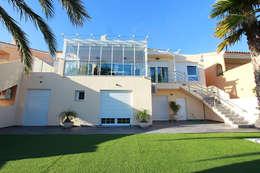 Casas de estilo moderno por Novodeco