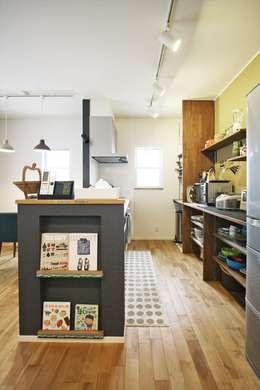 Cuisine de style de style Moderne par ジャストの家