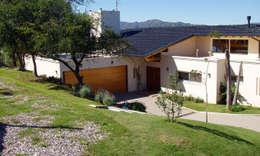Casas de estilo moderno por renziravelo