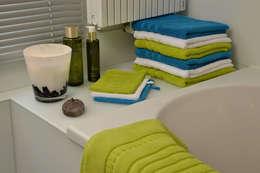 Baños de estilo moderno por Groothandel in decoratie en lifestyle artikelen