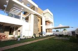 Garden: modern Garden by Ansari Architects