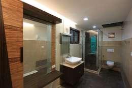 Shower: modern Bathroom by Ansari Architects