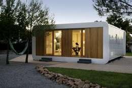 Projekty, nowoczesne Domy zaprojektowane przez NOEM