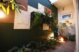 Jardin de style de style Moderne par Arquitetura Ao Cubo LTDA