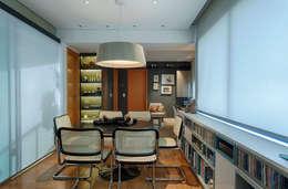 Apartamento FM: Salas de jantar modernas por CoGa Arquitetura