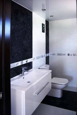 modern Bathroom by Студия архитектуры и дизайна Вояджи Дарьи