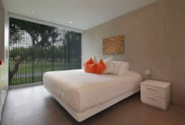 Dormitorios de estilo  por Martin Dulanto