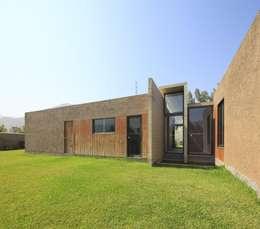 Casa oZsO: Casas de estilo moderno por Martin Dulanto