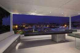 Salas / recibidores de estilo moderno por Martin Dulanto