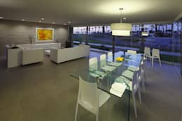 Casa P12: Comedores de estilo moderno por Martin Dulanto