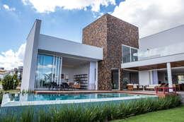 modern Houses by Domm Arquitetura Ltda