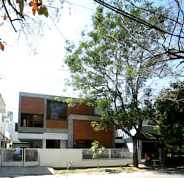 Sharma House: minimalistic Houses by Kamat & Rozario Architecture