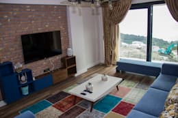 50GR Mimarlık – 50GR MİMARLIK _ Seyri Sapanca_ Oturma Odası: akdeniz tarzı tarz Oturma Odası