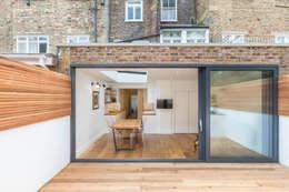modern Houses by TOTUS