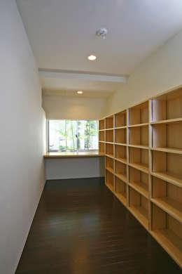 阿佐ヶ谷の家: 設計事務所アーキプレイスが手掛けた和室です。