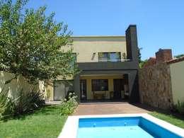 casa Jaime- Don Torcuato- Buenos Aires: Jardines de estilo clásico por Arq.Rubén Orlando Sosa