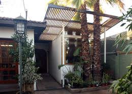 Casas de estilo moderno por PARQ Arquitectura