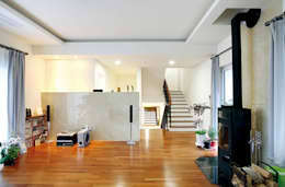 Skip Floor House: 호멘토(HOMENTO)의  거실