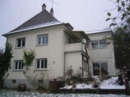 Stadtvilla vor der Sanierung: klassische Häuser von Kneer GmbH, Fenster und Türen