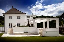 Kneer GmbH, Fenster und Türen의  주택