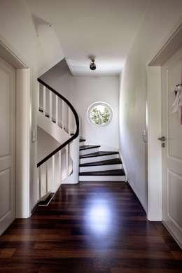 stadtvilla mit hitverd chtigem bad. Black Bedroom Furniture Sets. Home Design Ideas