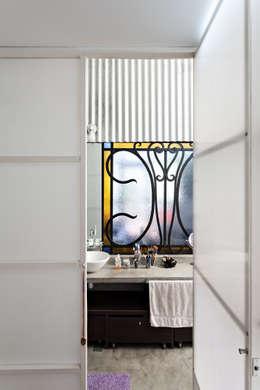 Projekty,  Łazienka zaprojektowane przez Pop Arq