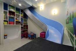 Play Room: modern Nursery/kid's room by Mind Studio