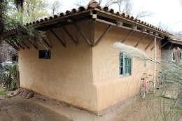 บ้านและที่อยู่อาศัย by ALIWEN arquitectura & construcción sustentable