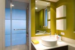 Residence 2: modern Bathroom by Dynamic Designss