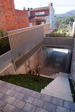 Jardín: Jardines de estilo minimalista de CABRÉ I DÍAZ ARQUITECTES