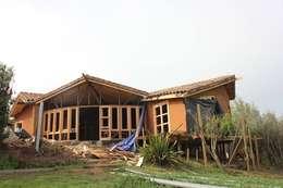 CASA CASTILO HEPP:  de estilo  por ALIWEN arquitectura & construcción sustentable