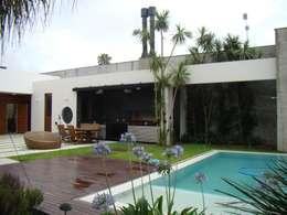 Casas de estilo moderno por Jader e Ivan Arquitetos
