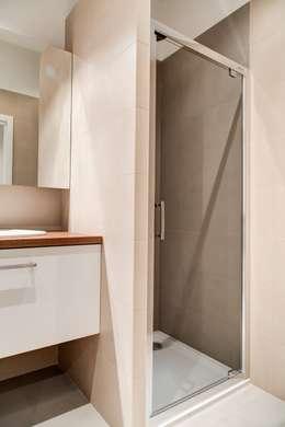 minimalistic Bathroom by Perfect Space