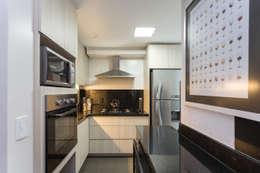 Nhà bếp by Kali Arquitetura