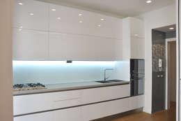 Cocinas de estilo escandinavo por evels & papitto - b4architects