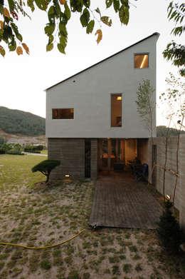 Casas de estilo moderno por 위빌