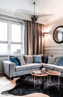 Salas de estilo ecléctico por SAS